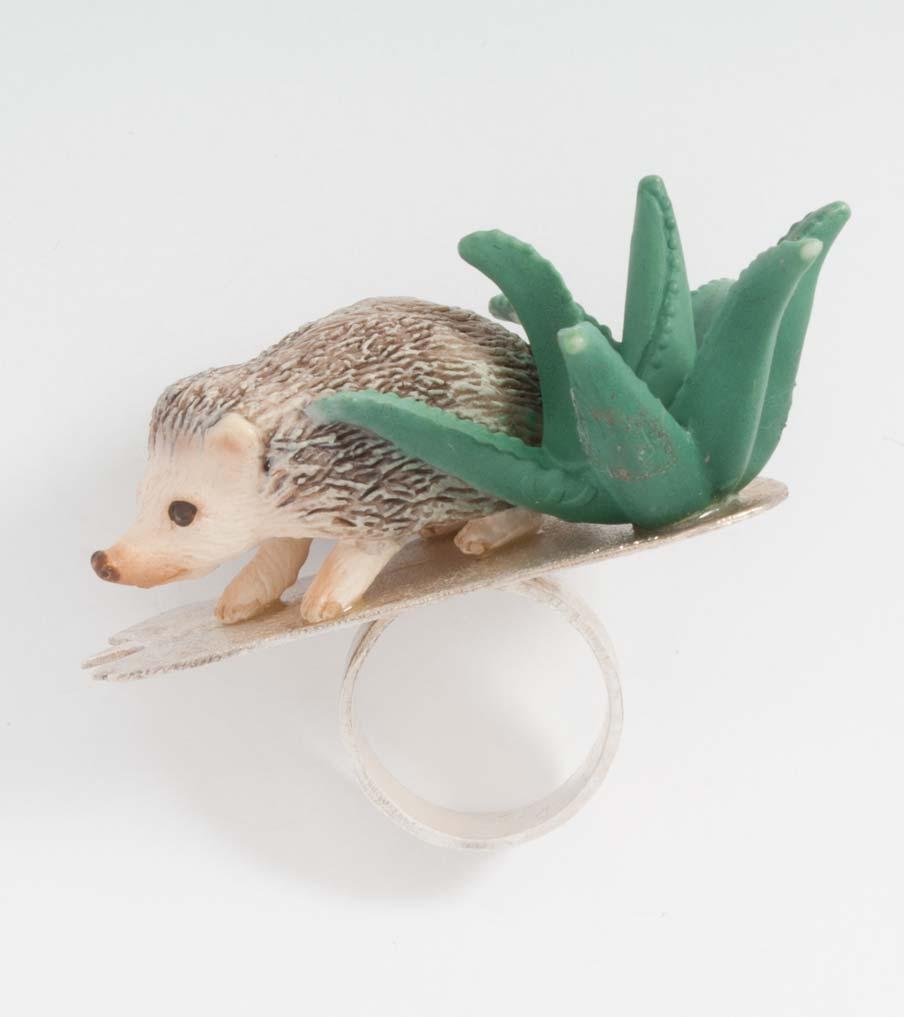 Egel met vetplant ring | Sieraad - Belinda Brama