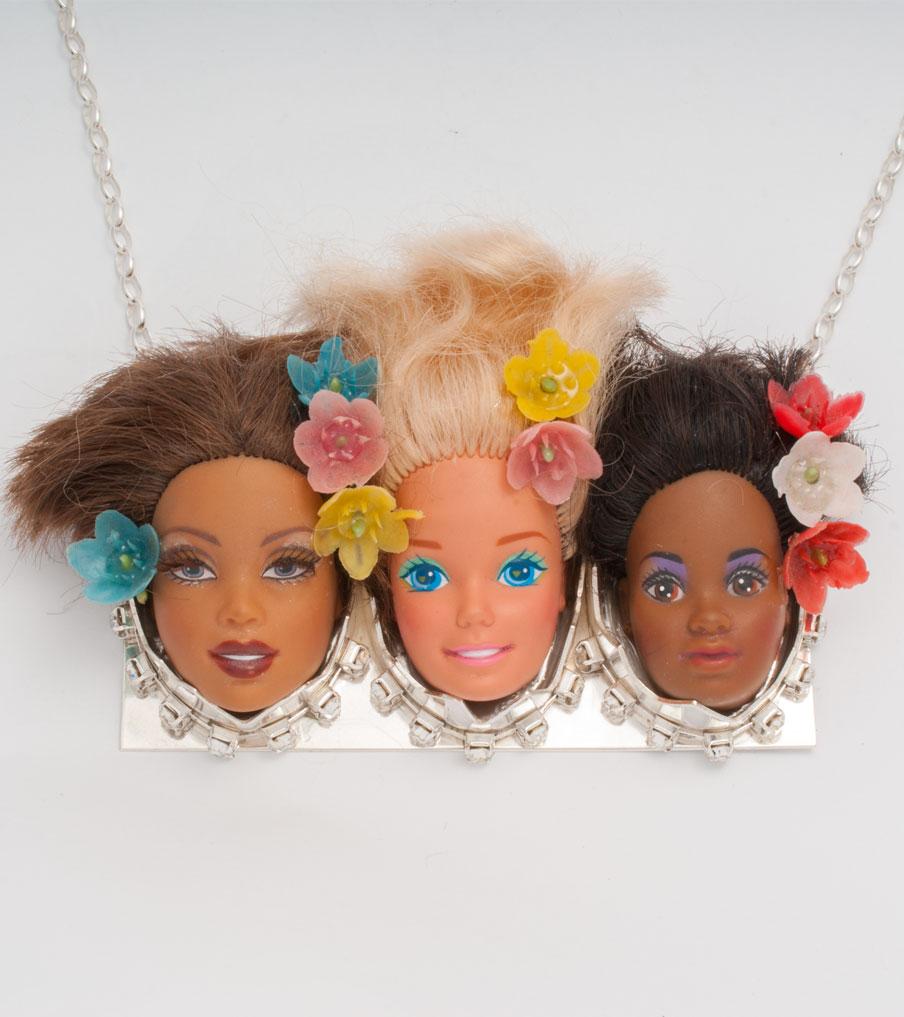 Drie barbiehoofden zwart-wit ketting | Sieraad - Belinda Brama