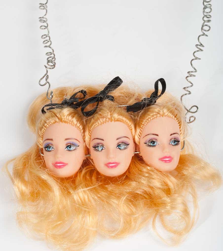 Drieling barbiehoofden met strikjes ketting | Sieraad - Belinda Brama