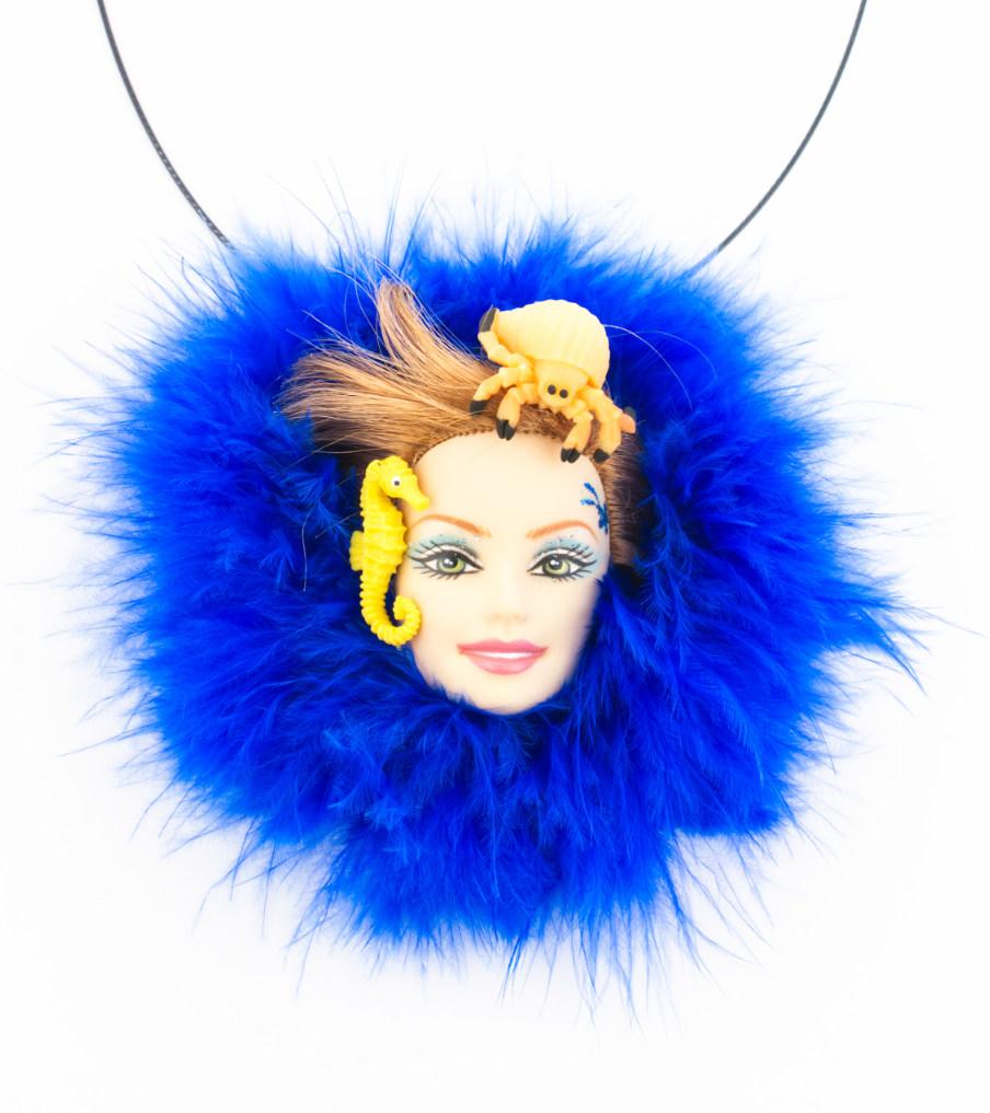 Water barbie - hanger | Sieraad - Belinda Brama