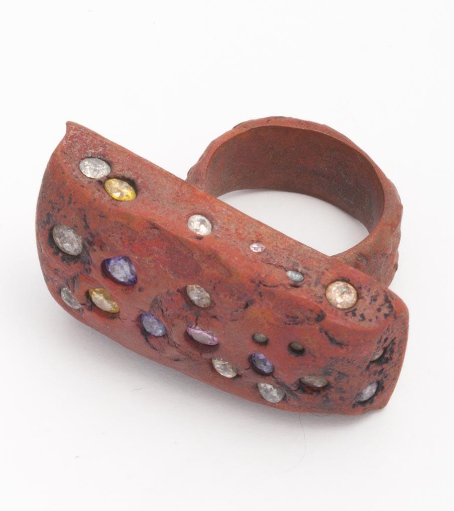 Brons met gekleurde zirkonias ring | Sieraad - Belinda Brama