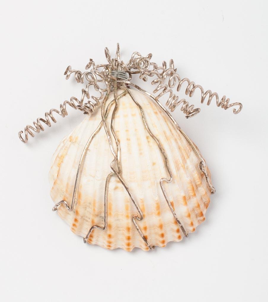 Schelp hanger wirewrapping | Sieraad - Belinda Brama