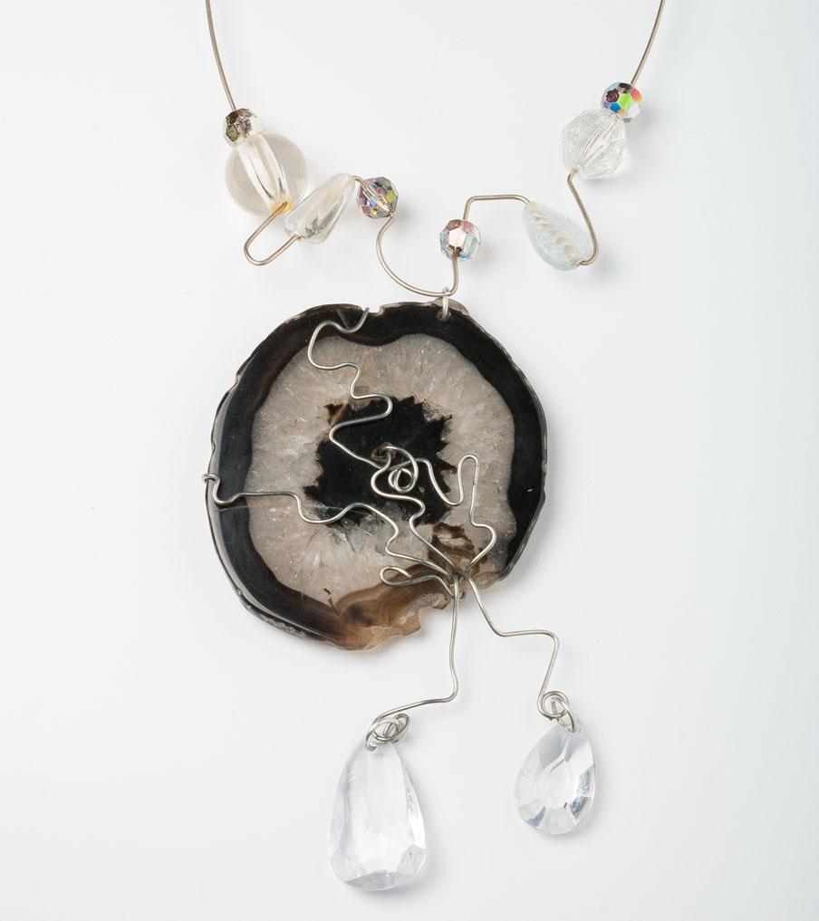 Steen zwart met grijs ketting wirewrapping | Sieraad - Belinda Brama