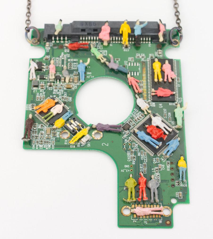 Printplaat people - hanger | Sieraad - Belinda Brama