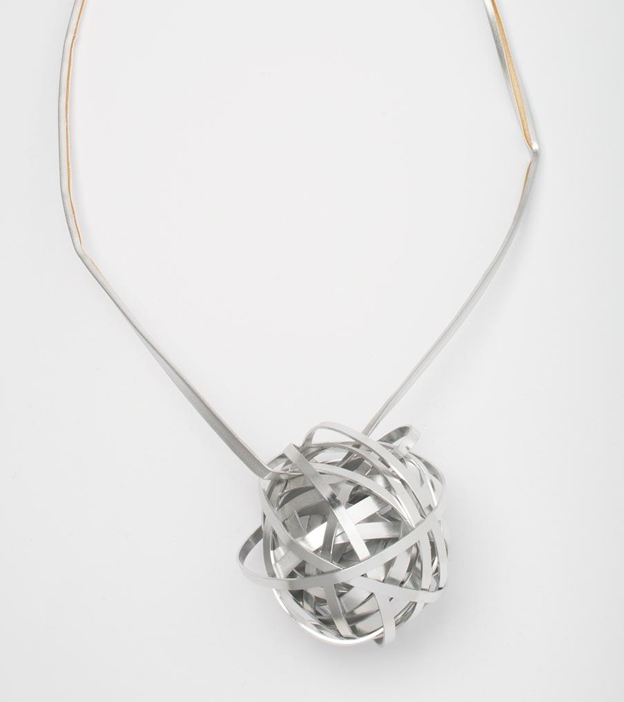Kluwen hanger metaal | Sieraad - Belinda Brama
